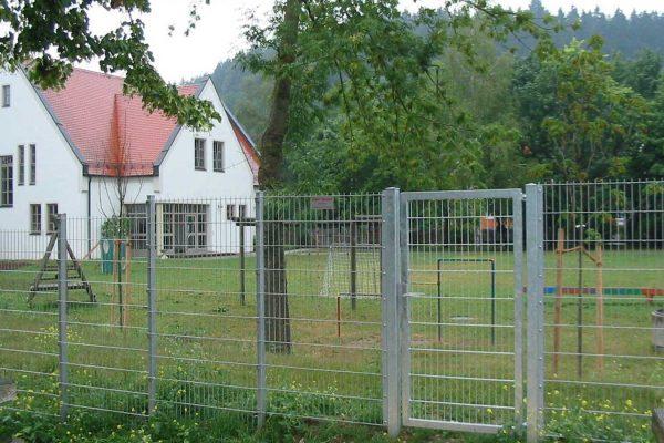 Draht-Haecker-Tore-Industrietore-KiGa-Kammeltal